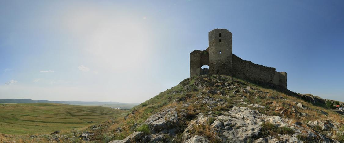 Fortareata medievala de la Enisala 1