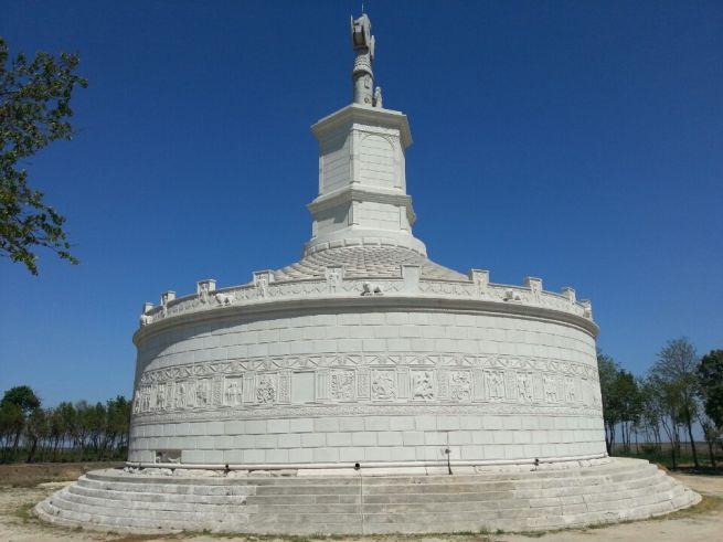monumentul-tropaeum-traiani