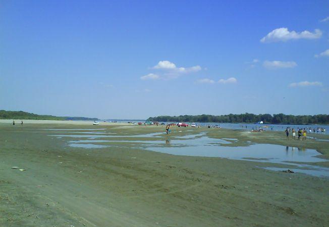plaja-piciorul-podului-giurgiu 1
