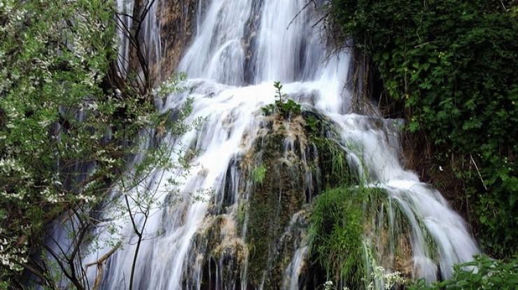 Cascada cu apă termală Toplița 1
