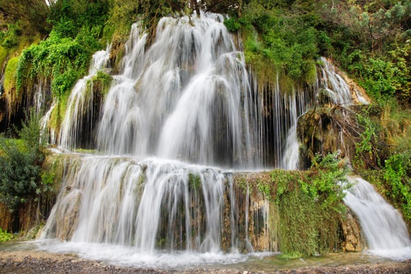 Cascada cu apă termală Toplița