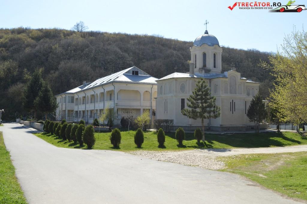 Manastirea Pestera Sf Andrei 4