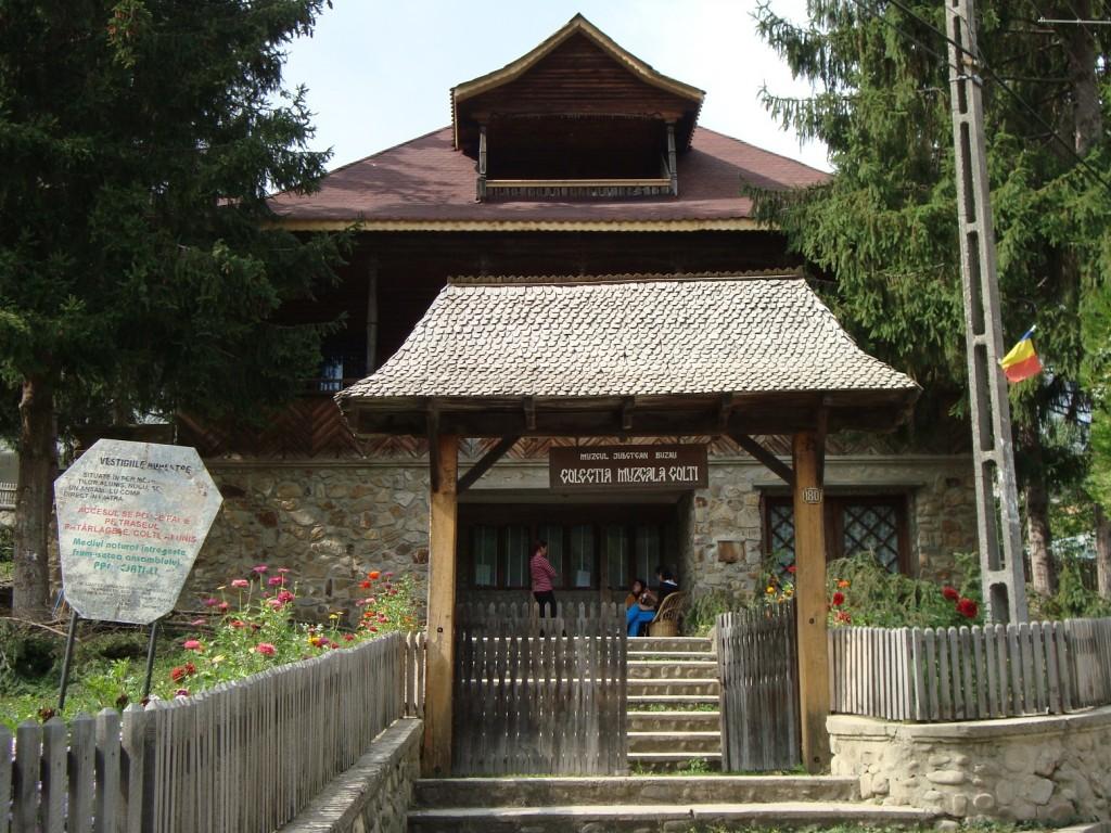 Muzeul Chihlimbarului din Colți 2