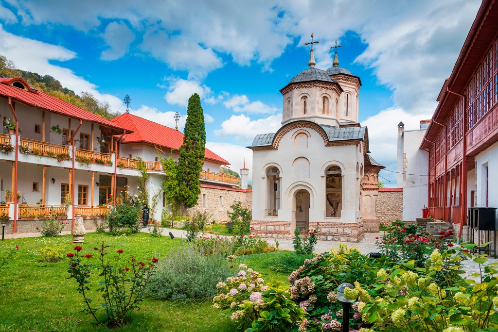 Mănăstirea Arnota 2