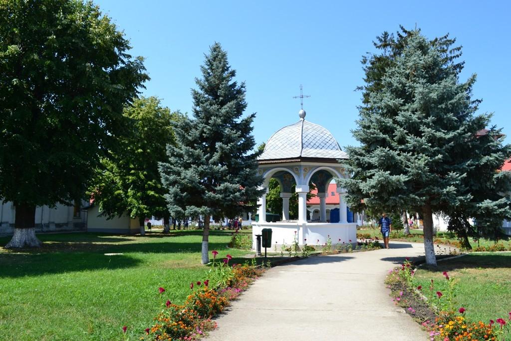 Mănăstirea Ghighiu 1