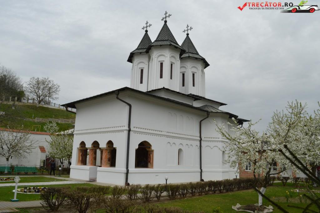 Manastirea Clocociov 16