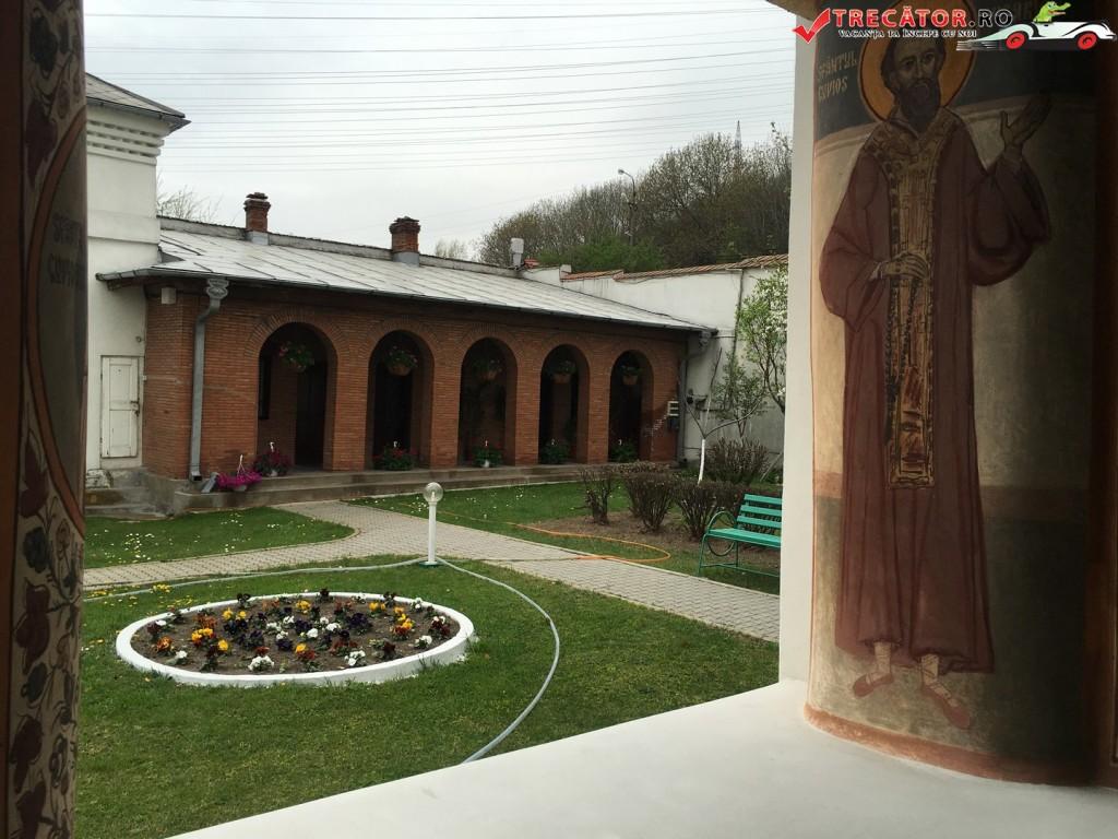 Manastirea Clocociov 27