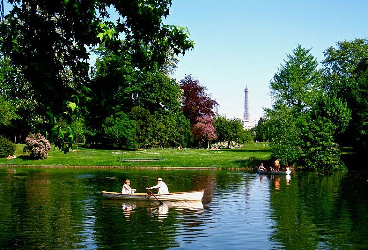 Bois-de-Boulogne-boat