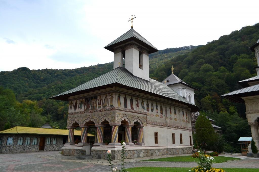 Mănăstirea Lainici - Biserica veche (GJ-II-m-B-09254)