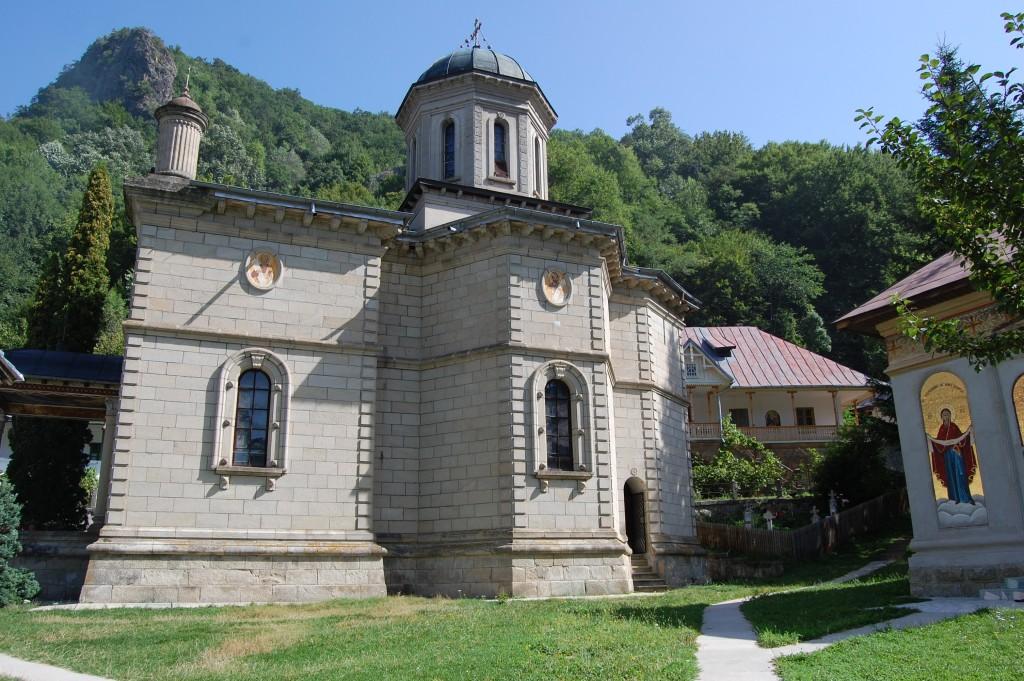 Mănăstirea Stânișoara 1