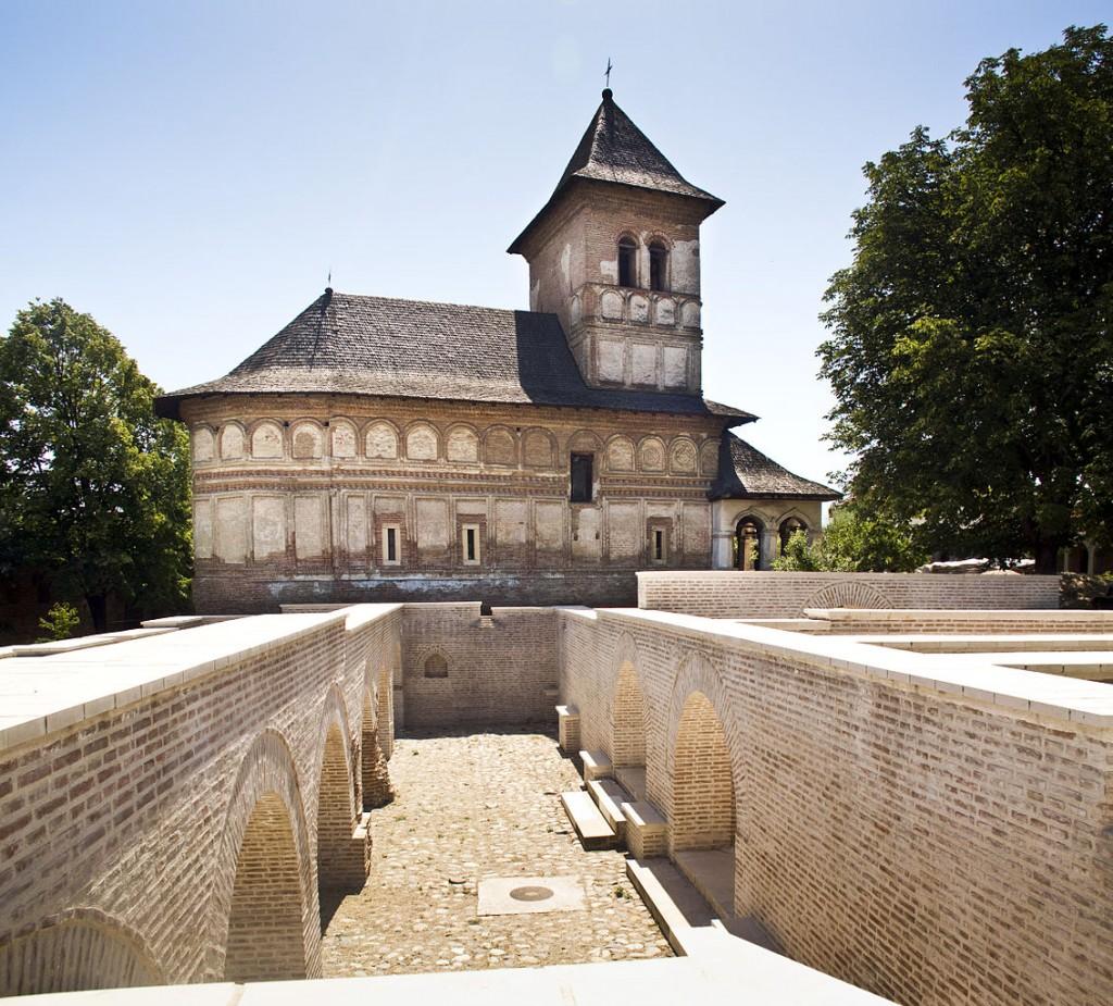 Mănăstirea Strehaia 1