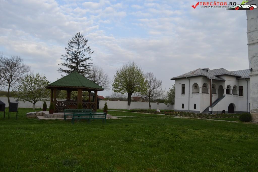 Manastirea Jitianu 12