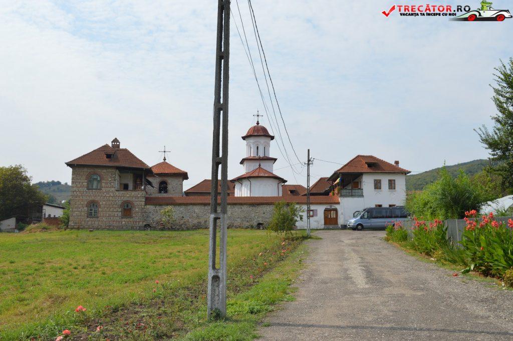 manastirea-saracinesti-25