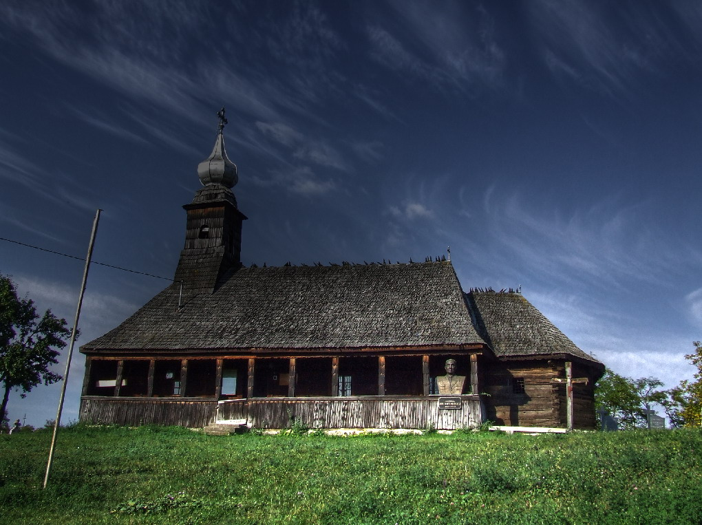 Biserica din lemn din Sarmasu