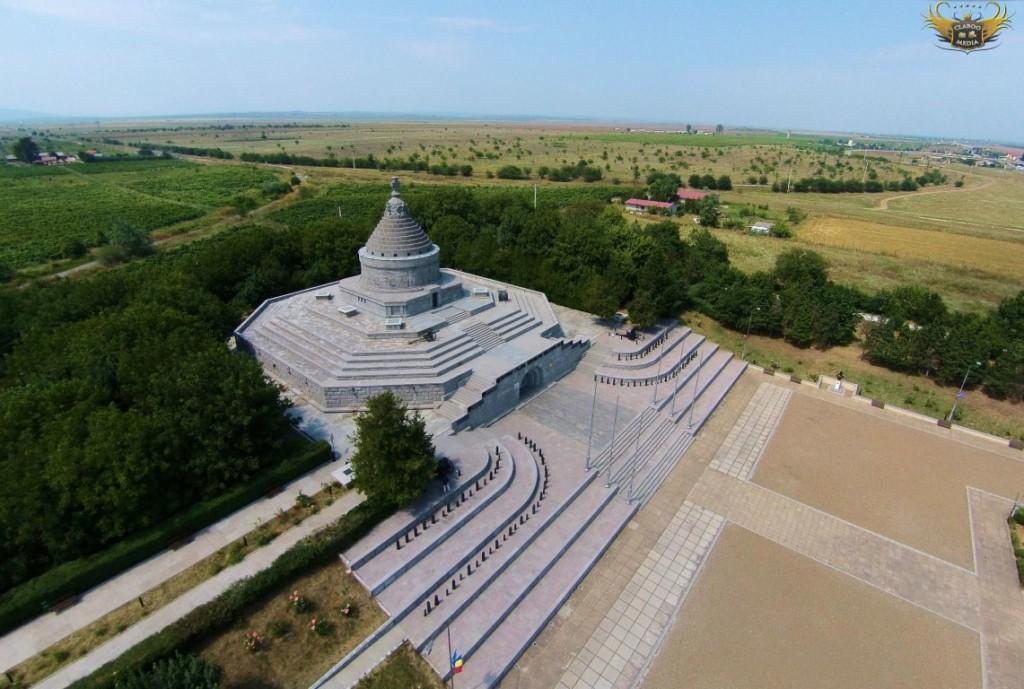 Mausoleul eroilor de la Marasesti 1