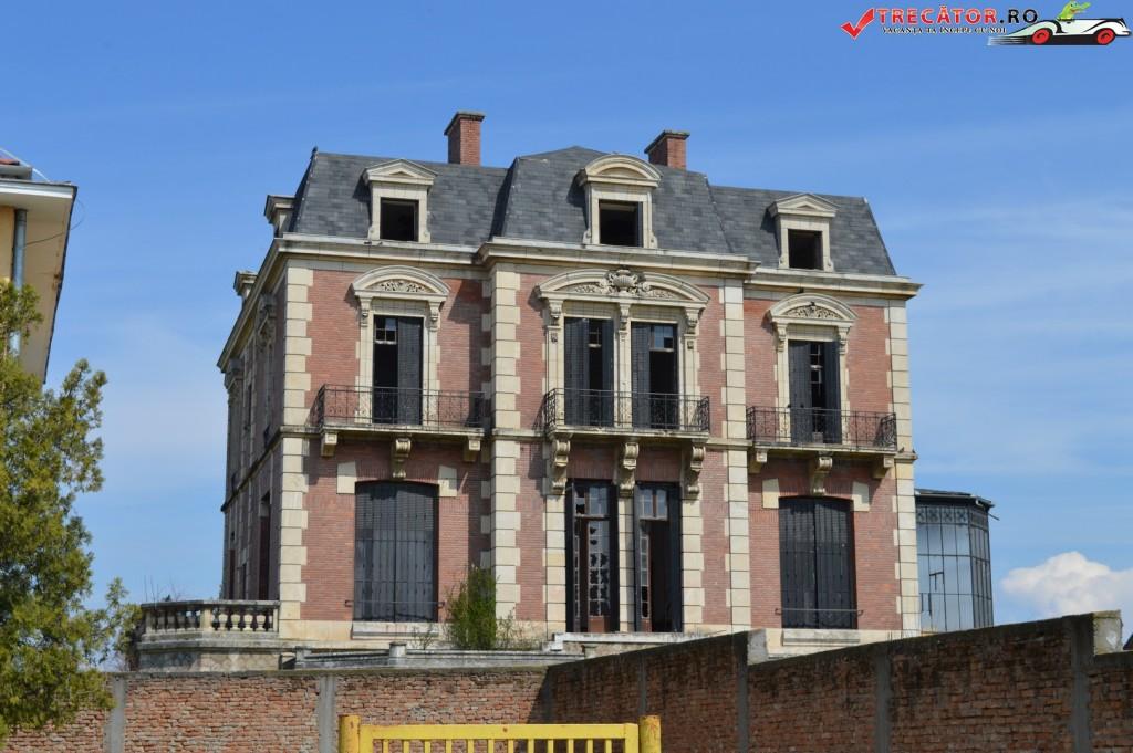 Palatul neoclasic Gh. Plesa 4