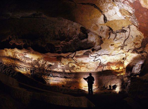 Peșterile Lascaux