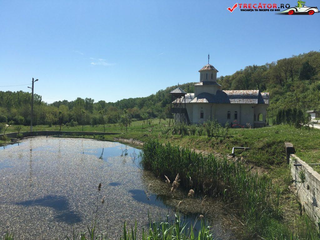 Manastirea Mainesti 2