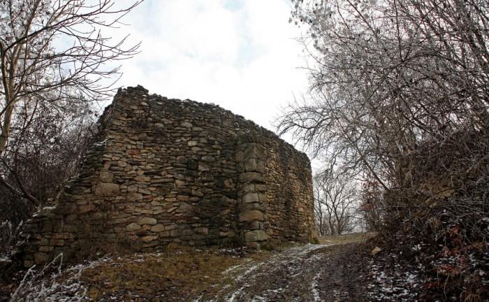 Ruinele Cetăţii Chioarului 1