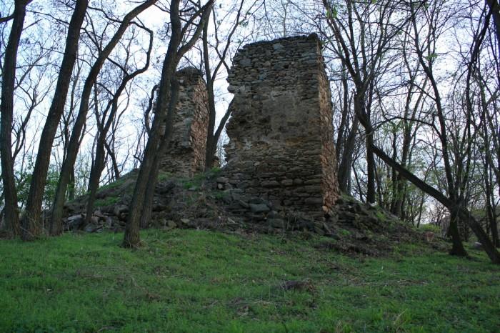 Ruinele Cetăţii Valcău 1
