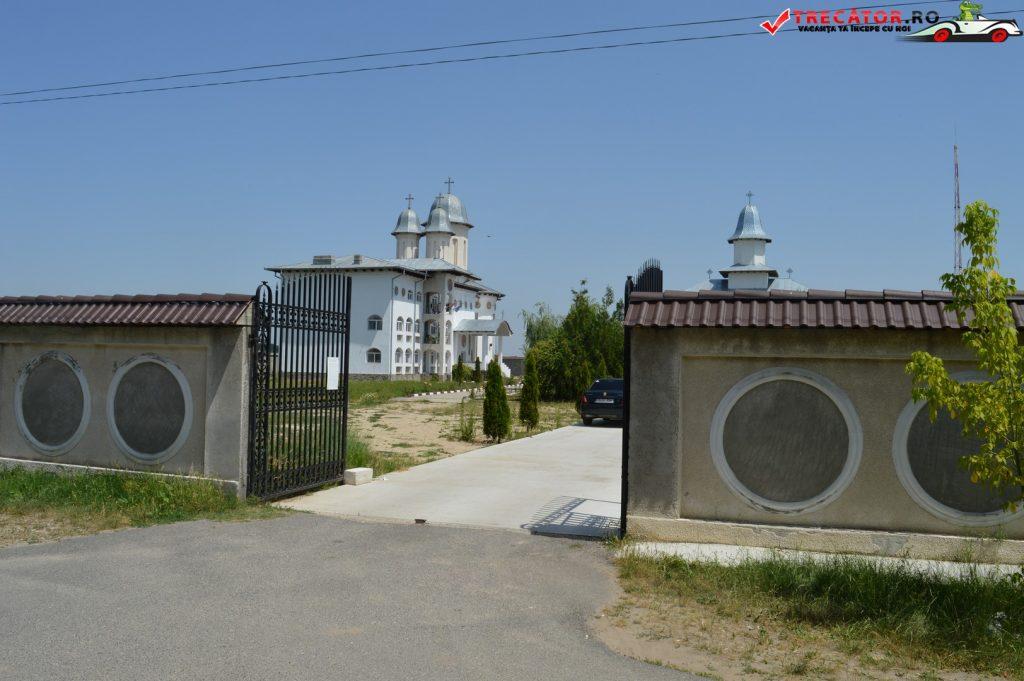 Manastirea Adamesti 02