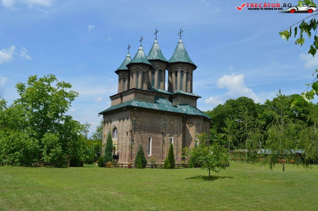 Manastirea Cobia 17