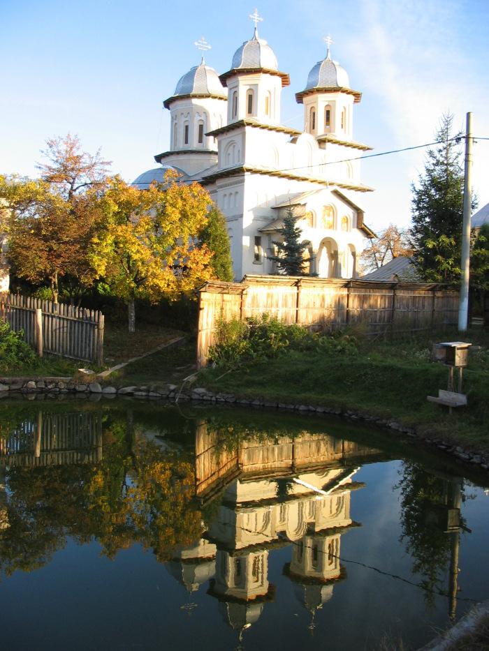 Manastirea Slanic 3