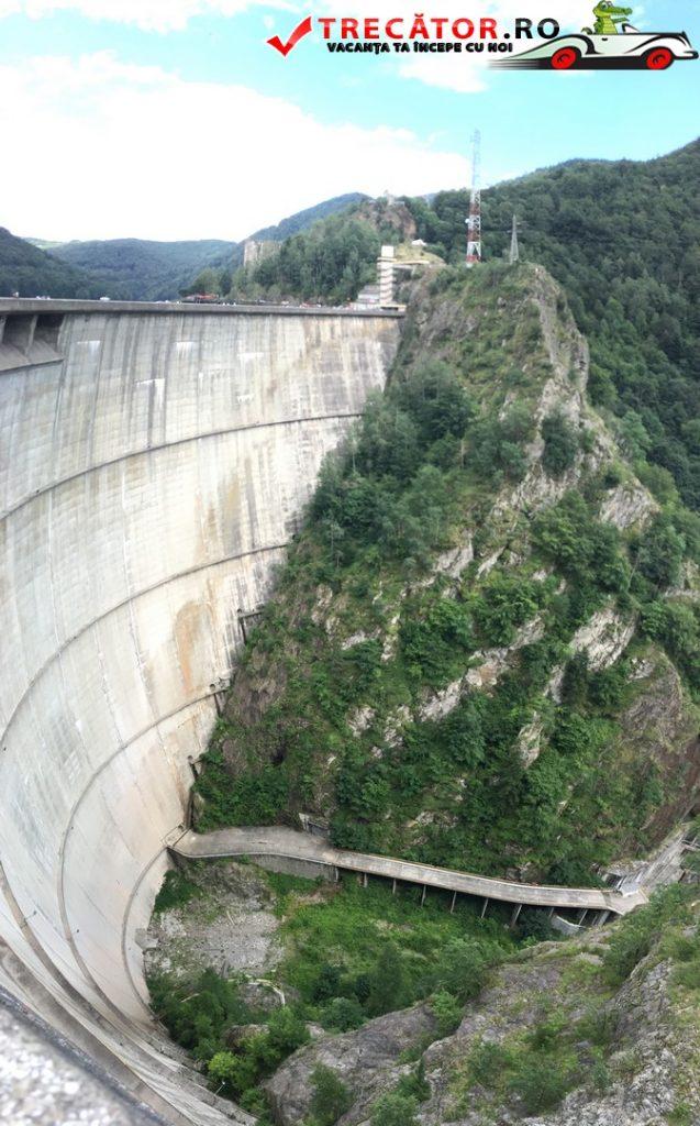 Lacul și barajul Vidraru 36