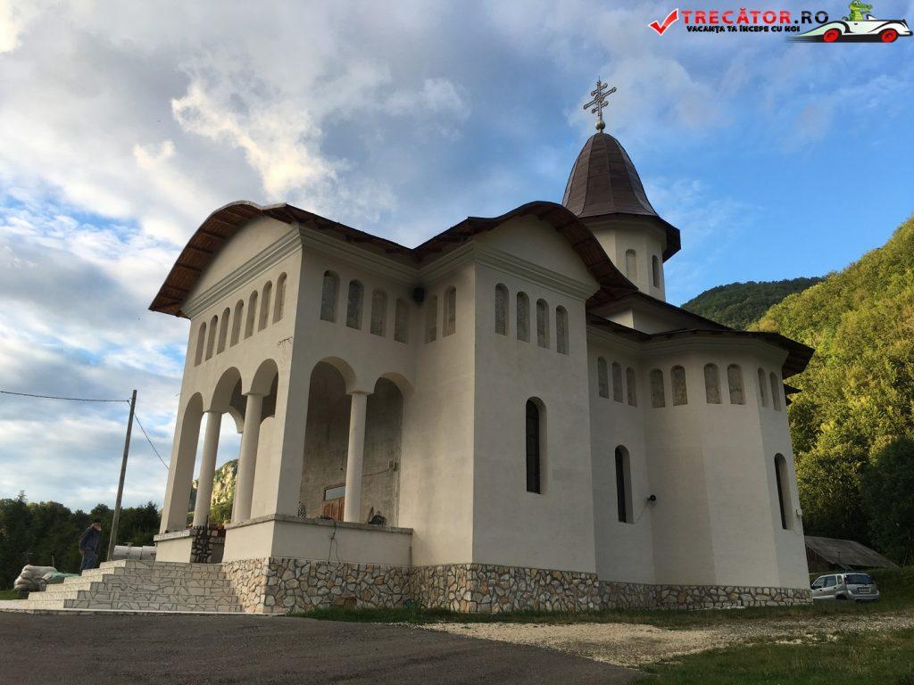 Mănăstirea Sub Piatră 20
