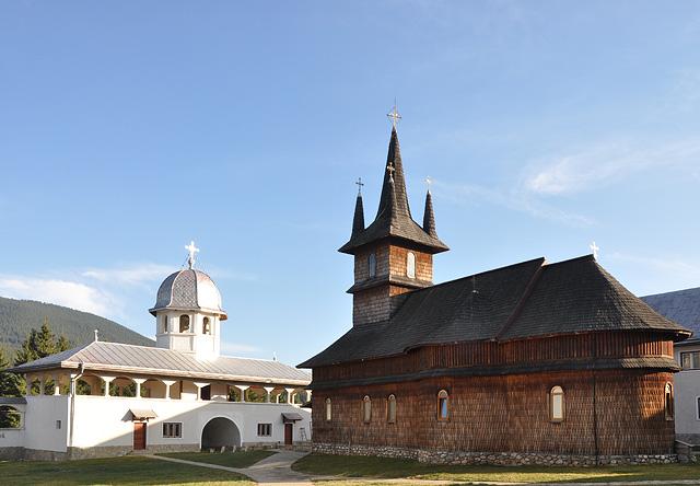 Manastirea Oasa 2