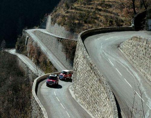 worlds-scariest-roads-640-01