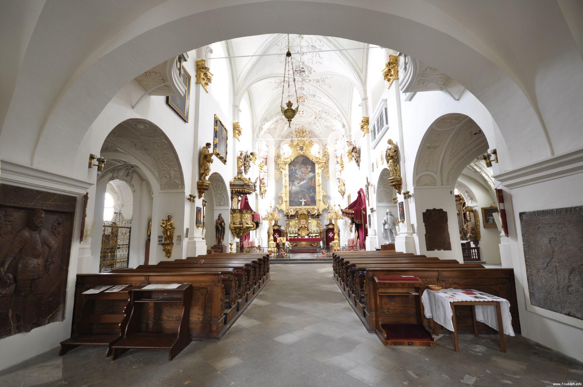 biserica-maicii-domnului-in-lanturi
