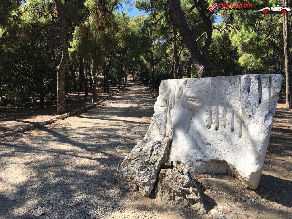 inchisoarea-lui-socrate-atena-grecia-01
