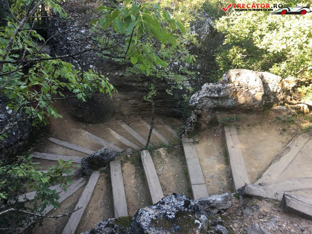 manastirea-rousanou-meteora-grecia-41