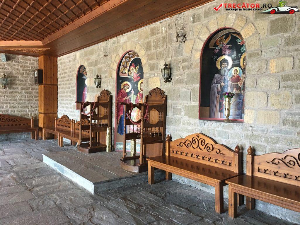 manastirea-varlaam-meteora-grecia-54