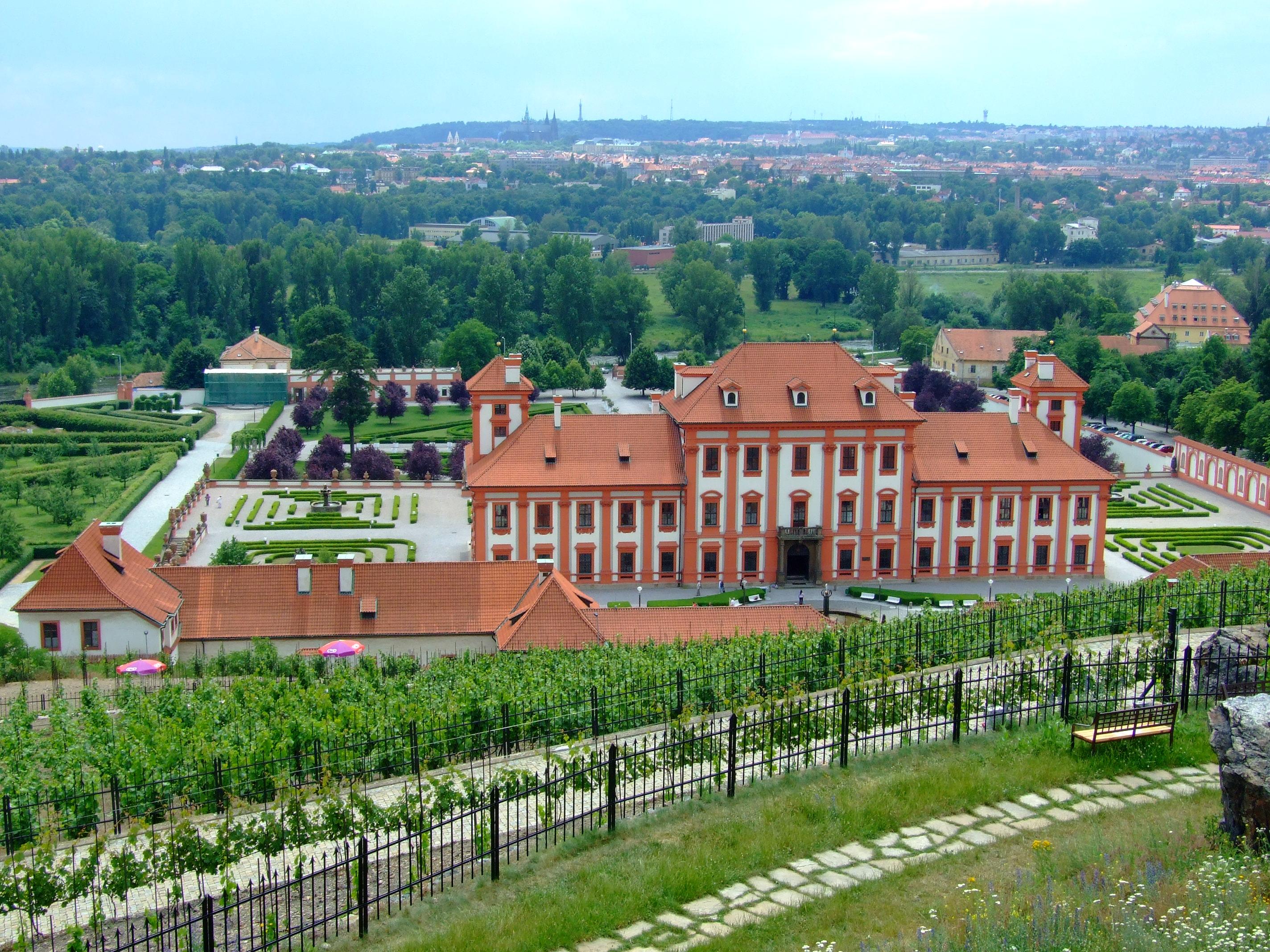palatul-troja-1