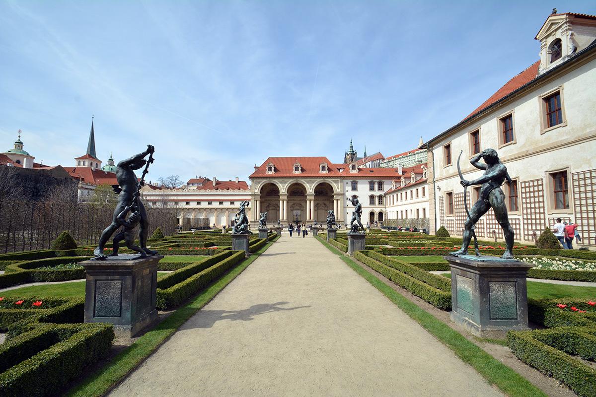 palatul-si-gradinile-wallenstein