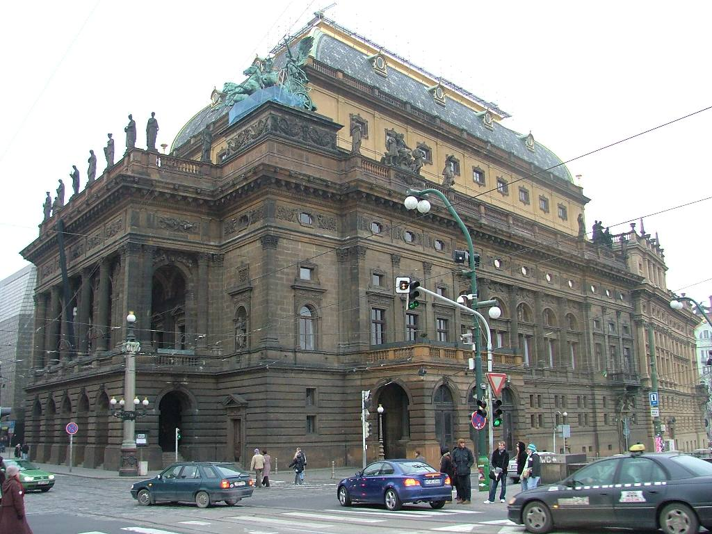 teatrul-national-din-praga